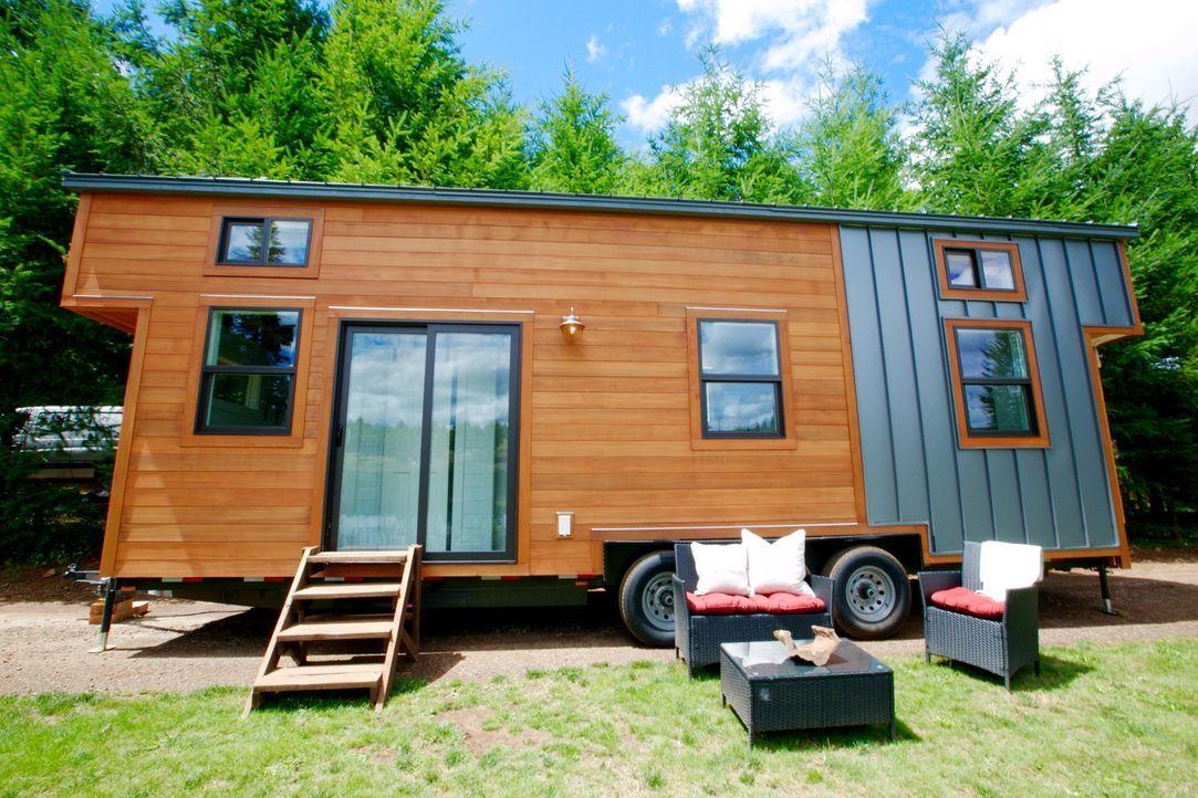 Tiny Heirloom-Team schafft es auch bei einem ca. 18,5 qm Wohnwagenhaus, dass sogar eine vierköpfige Familie genügen Platz hat ... - Bildquelle: 2015,HGTV/Scripps Networks, LLC. All Rights Reserved