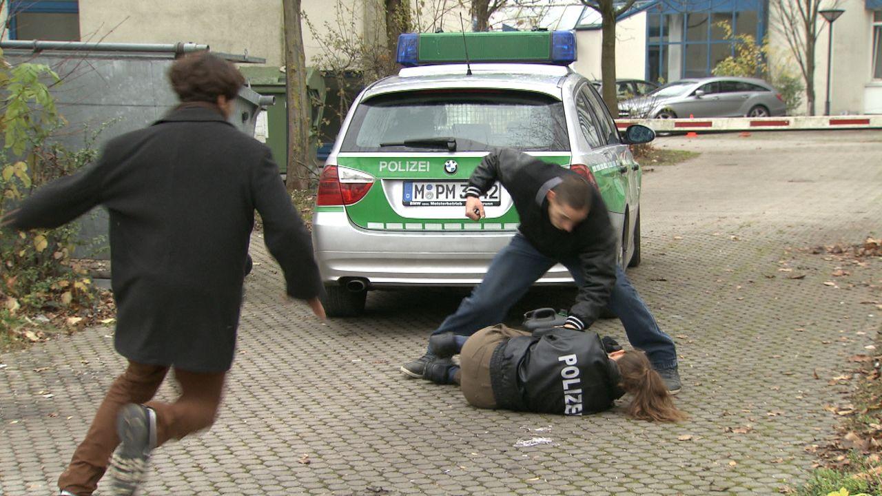 Polizistin_zwischen_den_Fronten1 - Bildquelle: SAT.1