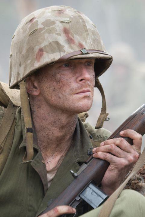 """Die 1st Marine Division landet auf Peleliu und ein schreckliches Gemetzel setzt ein. Lt. Edward """"Hillbilly"""" Jones (Leon Ford, Leon) erweist sich als... - Bildquelle: Home Box Office Inc. All Rights Reserved."""