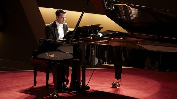 Muss das Konzert seines Lebend spielen: Konzertpianist Tom Selznick (Elijah W...