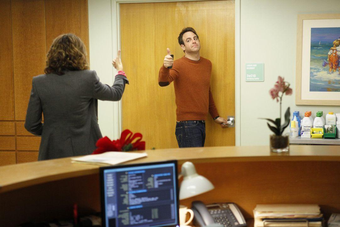 Aufregung wegen den Babys: Cooper (Paul Adelstein, r.) und Violet (Amy Brenneman, l.) ... - Bildquelle: ABC Studios