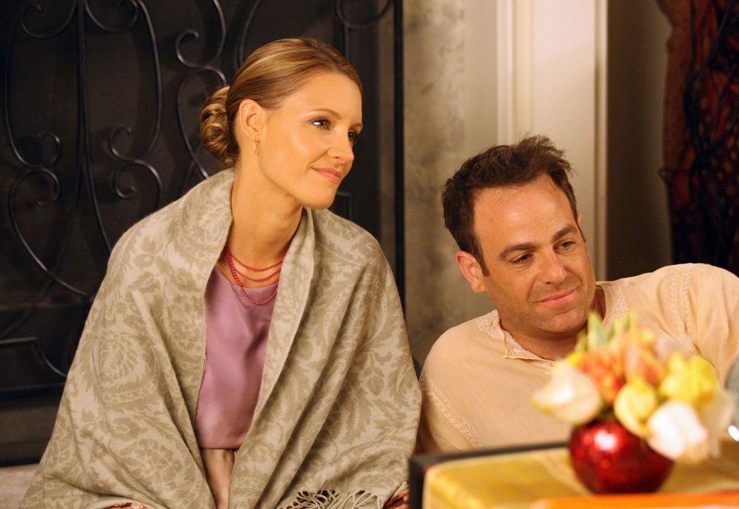 Müssen auf eine ganz ungewöhnliche Weise Abschied von Pete nehmen: Charlotte (KaDee Strickland, l.) und Cooper (Paul Adelstein, r.) ... - Bildquelle: ABC Studios