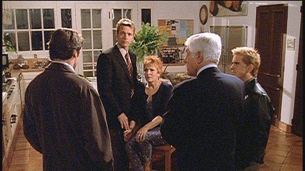 Madison (Joanna Cassidy, M.) wird von einem Unbekannten bedroht. Ihr Freund B...