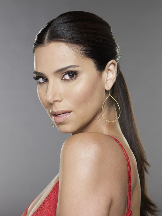(1. Staffel) - Carmen (Roselyn Sanchez) ist eine Diva und hat im Haus von Popstar Alejandro angeheuert. Eigentlich ist ihr die Arbeit als Haushälter... - Bildquelle: ABC Studios