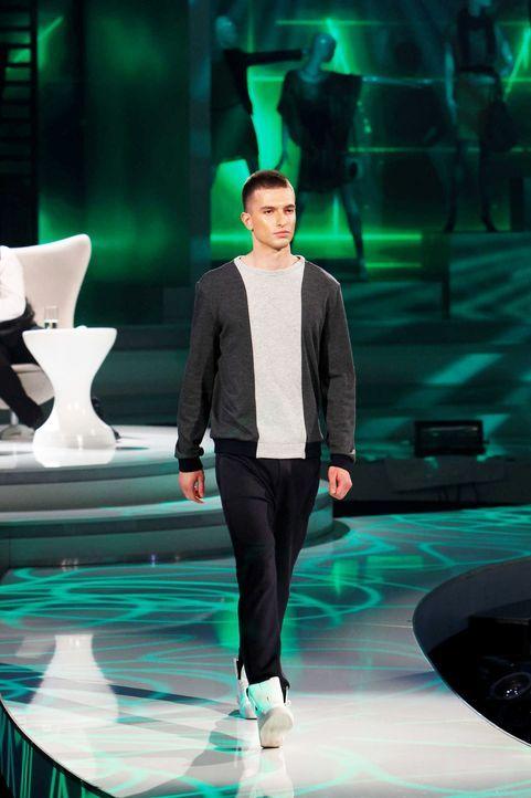 Fashion-Hero-Epi07-Gewinneroutfits-Tim-Labenda-ASOS-05-Richard-Huebner - Bildquelle: Richard Huebner
