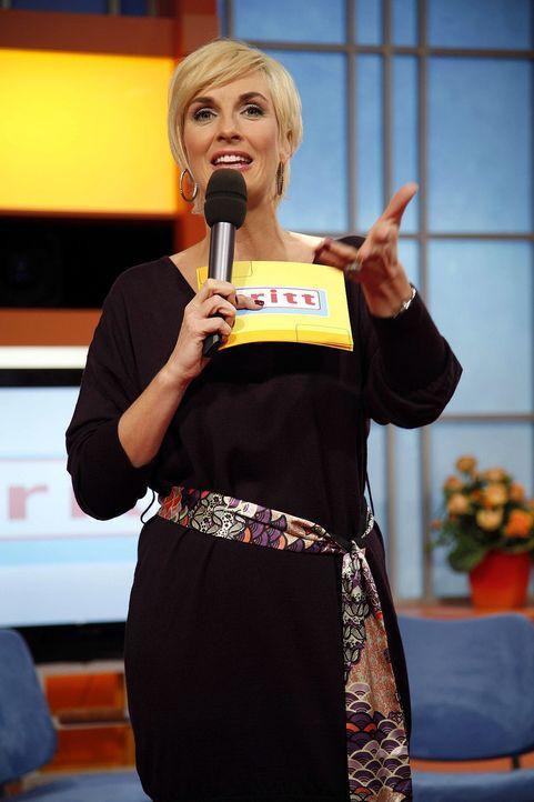 """Britt Hagedorn moderiert ihre Talkshow """"Britt"""" - Bildquelle: Sat.1"""
