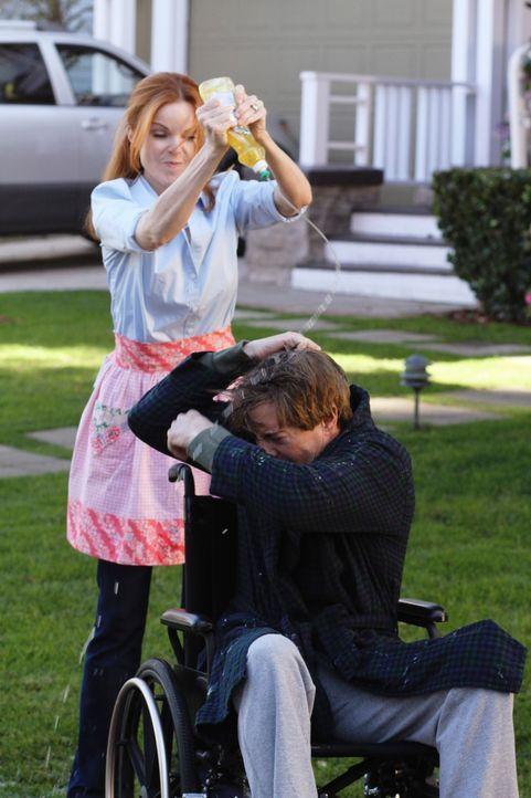 Während Susan und Gabrielle unbedingt herausfinden wollen, welches ihrer Kinder besser in der Schule ist, greift Bree (Marcia Cross, l.) zu drastisc... - Bildquelle: ABC Studios