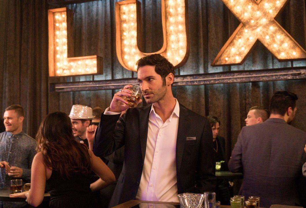 Lucifer (Tom Ellis) macht eine ganz neue gefühlsmäßige Erfahrung ... - Bildquelle: 2016 Warner Brothers