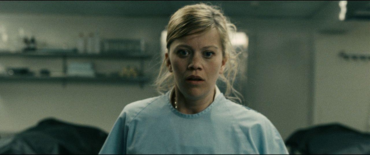 Krankenschwester Audhild (Johanna Mørck) gerät in die Hände eines wahnsinnigen Eispickelmannes ... - Bildquelle: Fantefilm Fiksjon