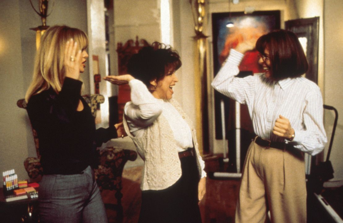 Nach dem Selbstmord einer College-Freundin treffen sich nach vielen Jahren Brenda (Bette Midler, M.), Elise (Goldie Hawn, l.) und Annie (Diane Keato... - Bildquelle: Paramount Pictures