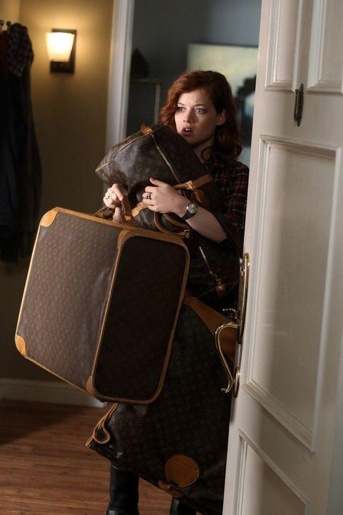 Als Dallas und Dalia aus Angst vor einem Einbrecher, bei Tessa (Jane Levy) und ihrem Vater einziehen, ist Tessa kurz vorm Verzweifeln ... - Bildquelle: Warner Bros. Television