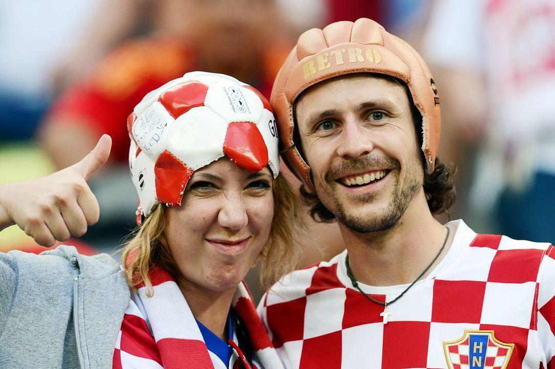 WM-kroatische-Fussball-Fans-120618-AFP - Bildquelle: AFP
