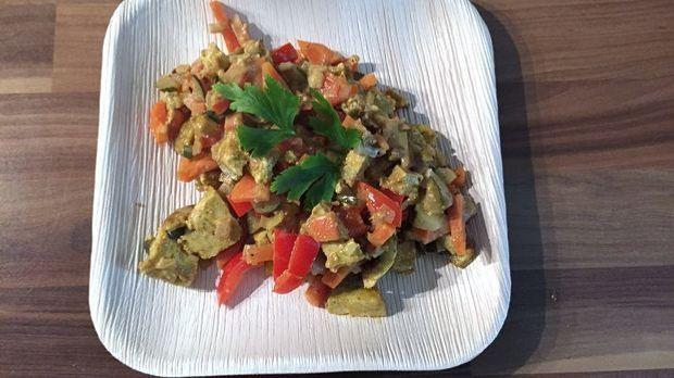 Curry-Gemüsepfanne mit Tofu