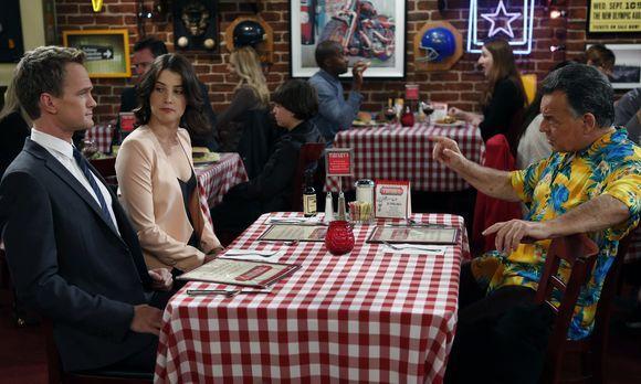 How I Met Your Mother - Als Robin (Cobie Smulders, M.) mitbekommt, dass Barne...