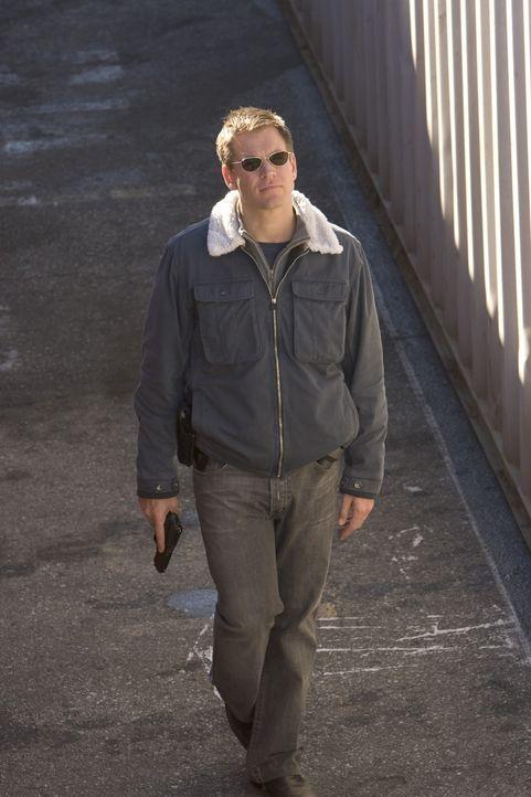 Verschwindet plötzlich spurlos: Tony (Michael Weatherly) ... - Bildquelle: TM &   2006 CBS Studios Inc. All Rights Reserved.