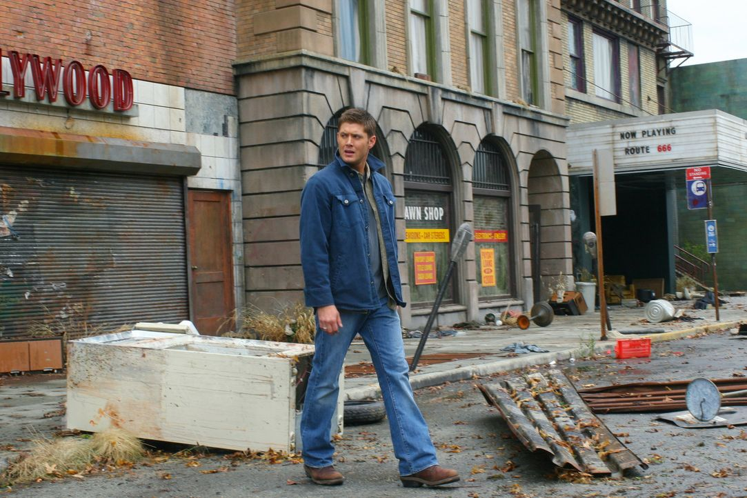 Sam möchte seinen Bruder Dean (Jensen Ackles) im Kampf gegen die Apokalypse unterstützen. Dean macht ihm jedoch klar, dass es besser ist, wenn sie... - Bildquelle: Warner Bros. Television
