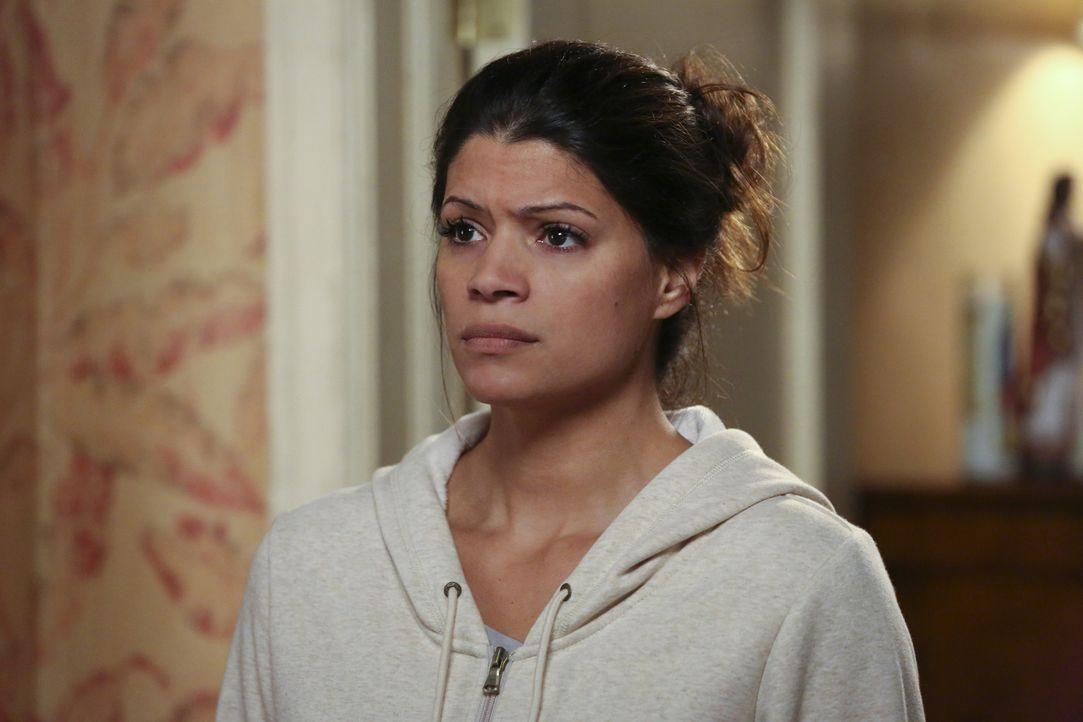 Jane will, dass Xo (Andrea Navedo) Rafael besser kennen- und schließlich mögen lernt. Doch ein gemeinsames Abendessen geht in die Hose ... - Bildquelle: 2014 The CW Network, LLC. All rights reserved.