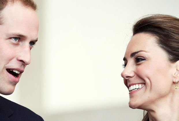 kate-middleton-prinz-william-11-04-11-lacht-AFP