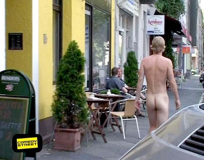 comedystreet-st-04-epi-02-grab-simon-gosejohann-14-prosiebenjpg 700 x 550 - Bildquelle: Guido Ohlenbostel ProSieben