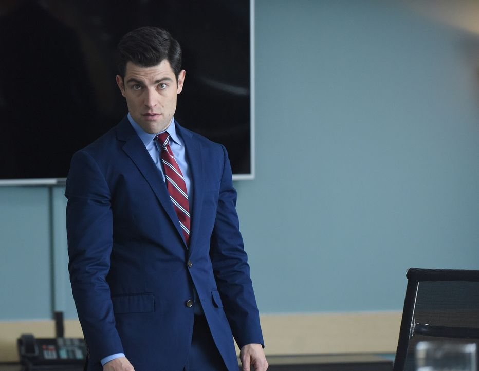 Schmidt (Max Greenfield) überlegt, künftig seinen Vornamen zu verwenden, nachdem er herausgefunden hat, dass es bereits eine Schmidt Stiftung gibt .... - Bildquelle: Ray Mickshaw 2017 Fox and its related entities.  All rights reserved.