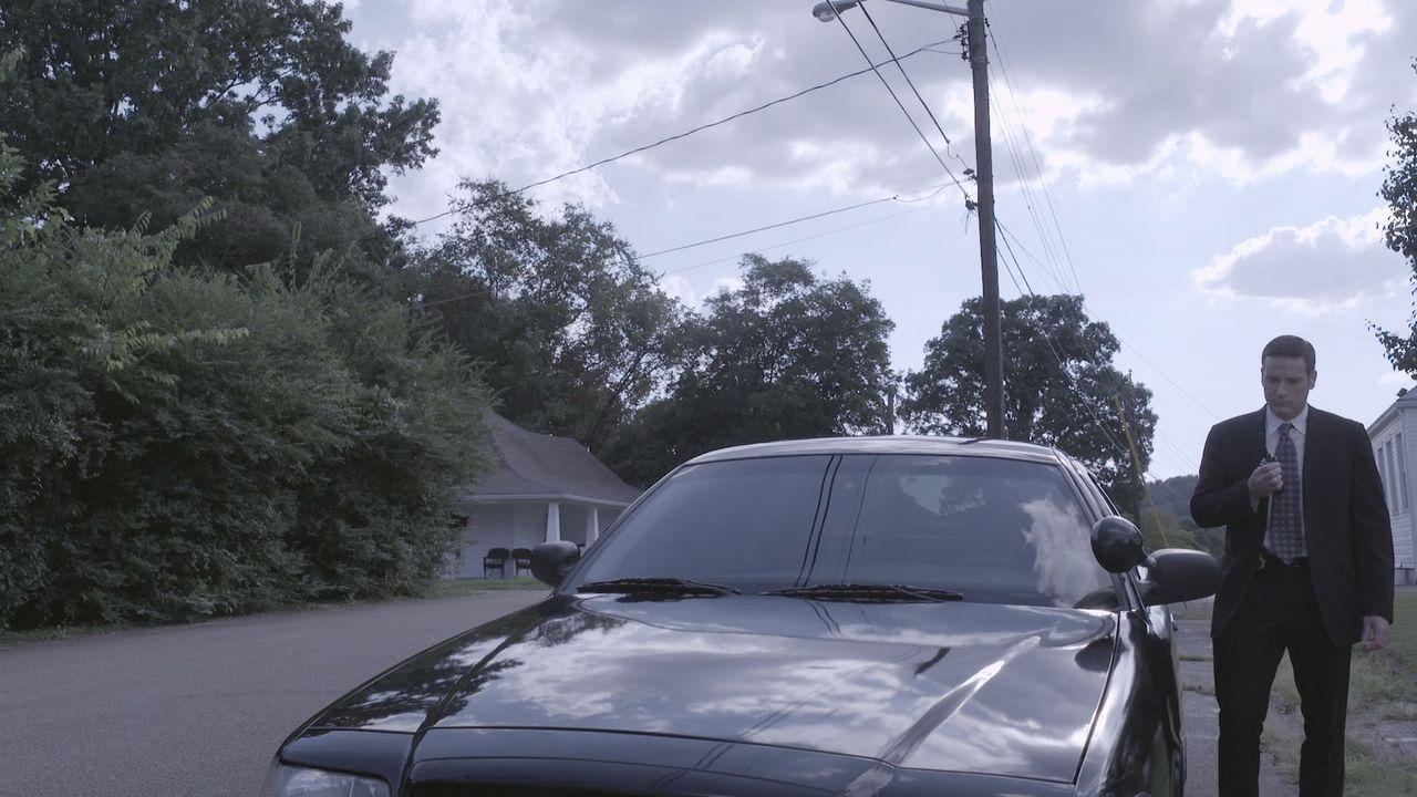 Ein bewaffneter Mordüberfall auf einen jungen Unternehmer beschäftigt Lt Joe Kenda (Carl Marino) diese Woche Tag und Nacht. - Bildquelle: Jupiter Entertainment