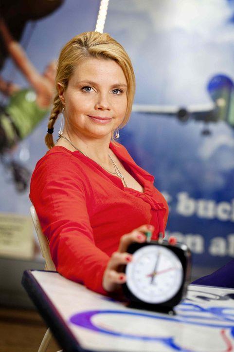 (3. Staffel) - Eine ungewöhnliche Rechtsanwältin: Danni Lowinski (Annette Frier) ... - Bildquelle: Frank Dicks SAT.1
