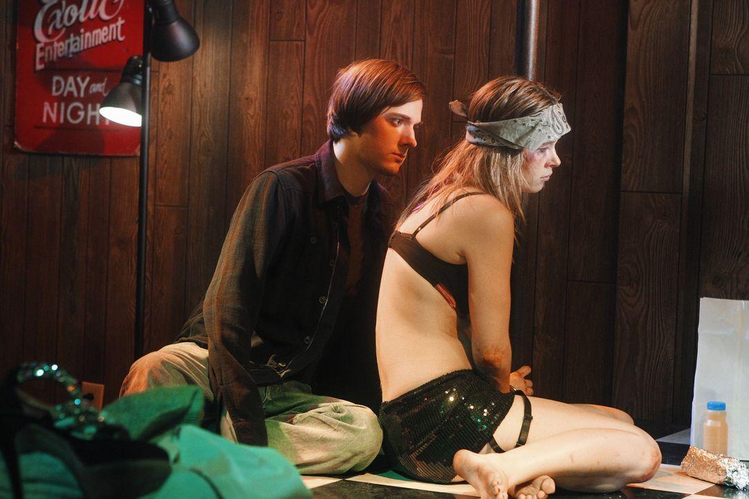 Wird Scott (Jake Thomas, l.) Stephanie (Cherilyn Wilson, r.) helfen, oder spielt er nur ein böses Spiel mit ihr? - Bildquelle: ABC Studios
