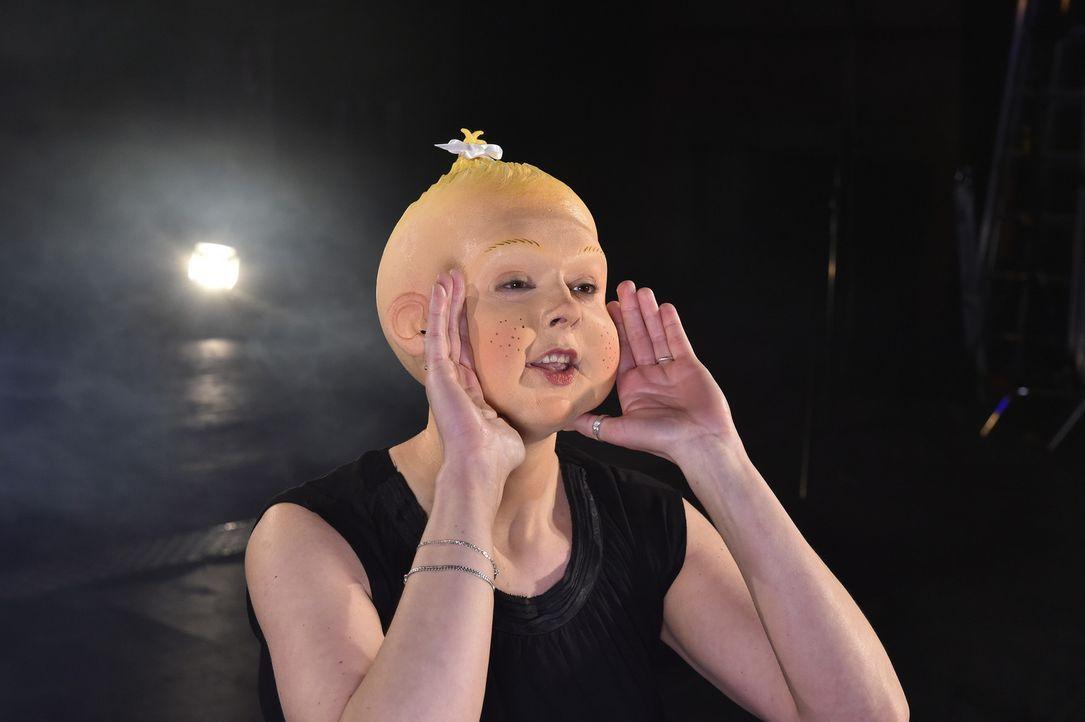 Kann Teletubbie-Baby Yvonne den angeblichen Frauenversteher für sich gewinnen? - Bildquelle: Andre Kowalski Sixx