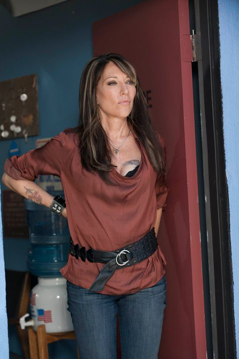 Noch ahnt Gemma (Katey Sagal) nicht, in welcher Gefahr sich alle im Umfeld des Clubs befinden ... - Bildquelle: 2011 Twentieth Century Fox Film Corporation and Bluebush Productions, LLC. All rights reserved.