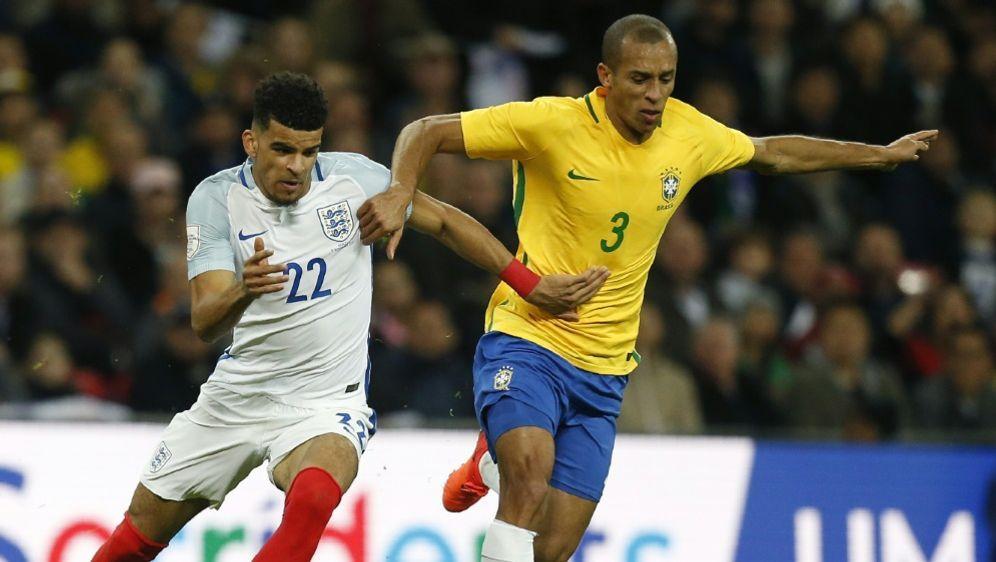 Zwischen England und Brasilien fallen keine Tore - Bildquelle: AFPSIDIAN KINGTON