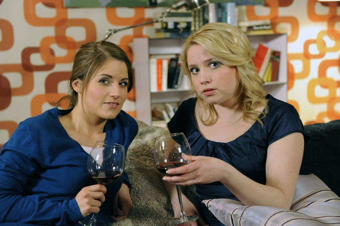 Frauengespräche: Bea (Vanessa Jung, l.) und Miriam (Caroline Maria Frier, r.) ... - Bildquelle: David Assmann SAT.1
