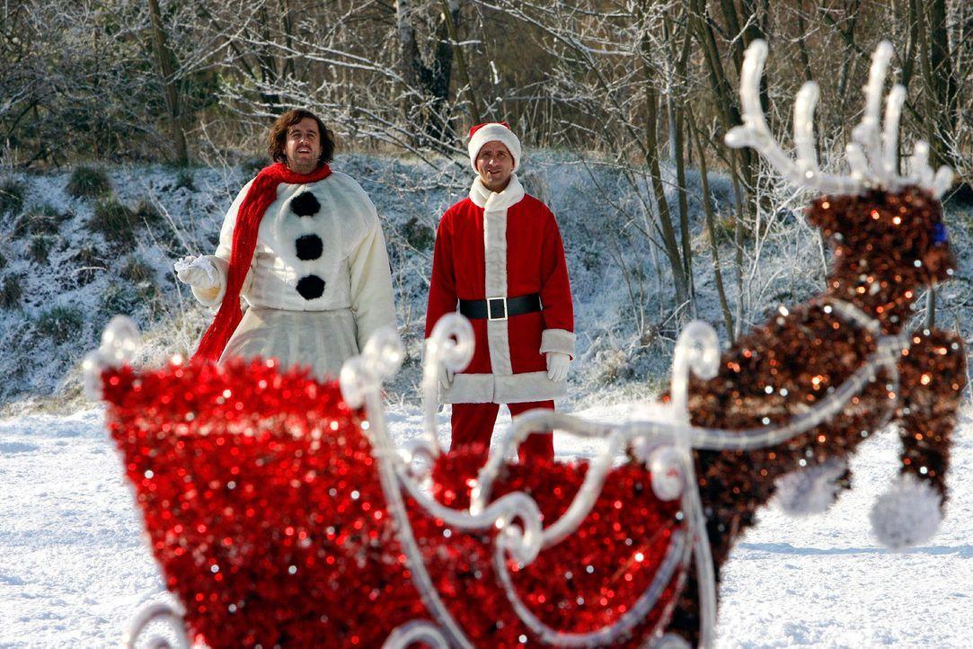 Zwei-Weihnachtsmaenner18 - Bildquelle: Sat.1