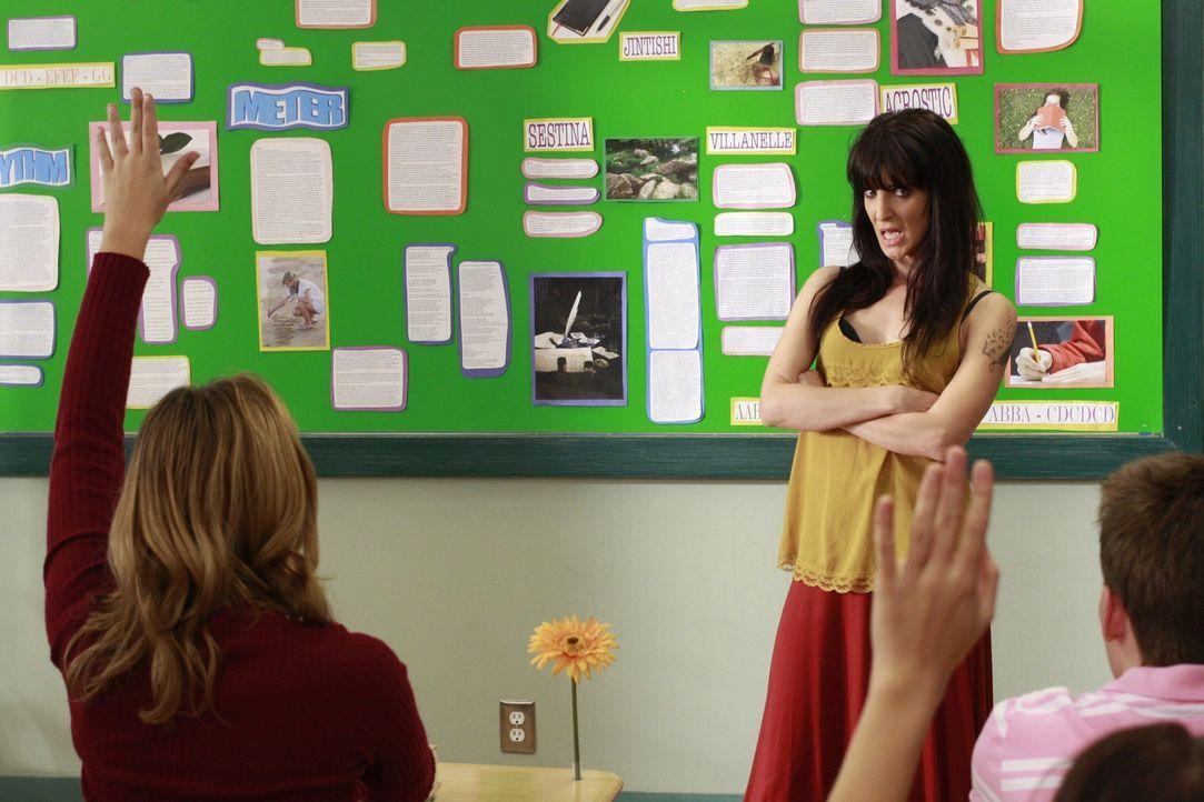 Tessa ist völlig begeistert von ihrer neuen Lehrerin. Sie will die coole Ms. Evans (Jackie Geary) unbedingt mit ihrer Dichtkunst beeindrucken und i... - Bildquelle: Warner Brothers