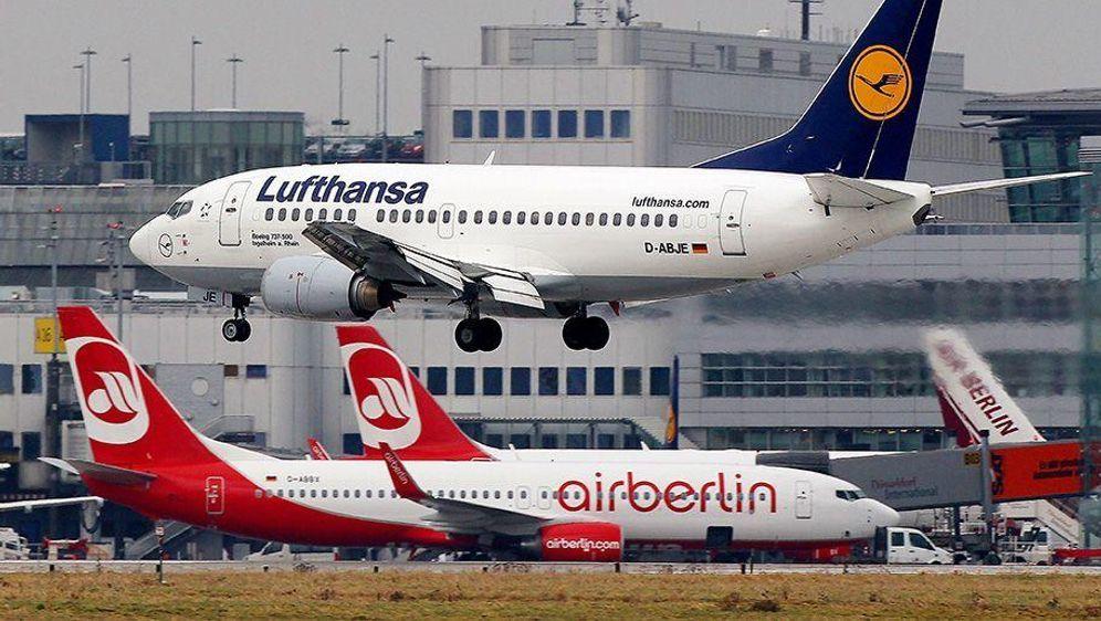Lufthansa übernimmt Air Berlin großteils - Bildquelle: dpa