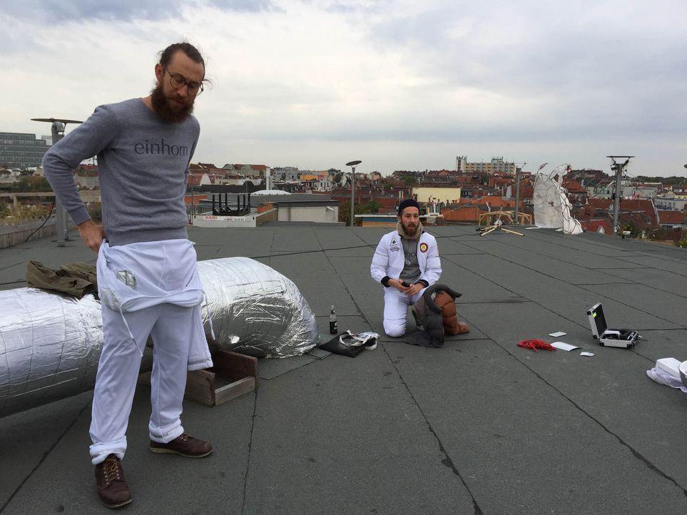 Waldemar Zeiler (l.) und Philip Siefer (r.) wollen ein soziales und nachhaltiges Unternehmen gründen und die Gewinne dieses Unternehmens zur Hälfte... - Bildquelle: kabel eins