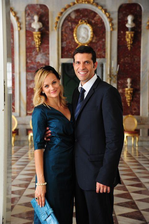 Noch ahnt Lissie nicht, dass ihr One-Night-Stand Paul (Pasquale Aleardi, r.) der zukünftige Verlobte der dänischen Prinzessin Silvia (Mirjam Weichse... - Bildquelle: Christiane Pausch SAT.1