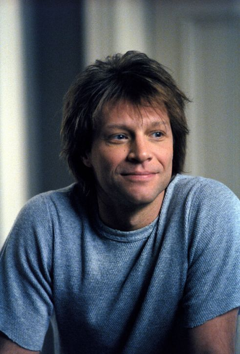 Für Ally spielt er sogar Babysitter: Victor (Jon Bon Jovi) ... - Bildquelle: 2002 Twentieth Century Fox Film Corporation. All rights reserved.