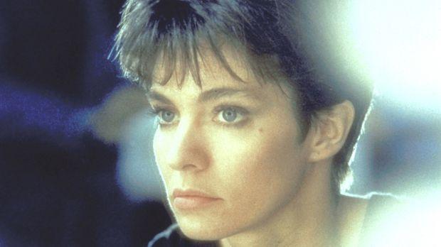 Nikita (Anne Parillaud) wird vom Geheimdienst zu einer perfekten Killerin aus...