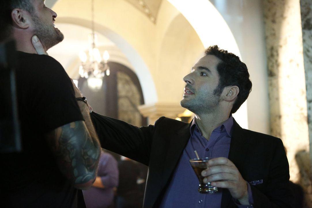Finden Lucifer (Tom Ellis) und Chloe rechtzeitig einen Mörder, bevor noch weitere Menschen sterben? - Bildquelle: 2016 Warner Brothers