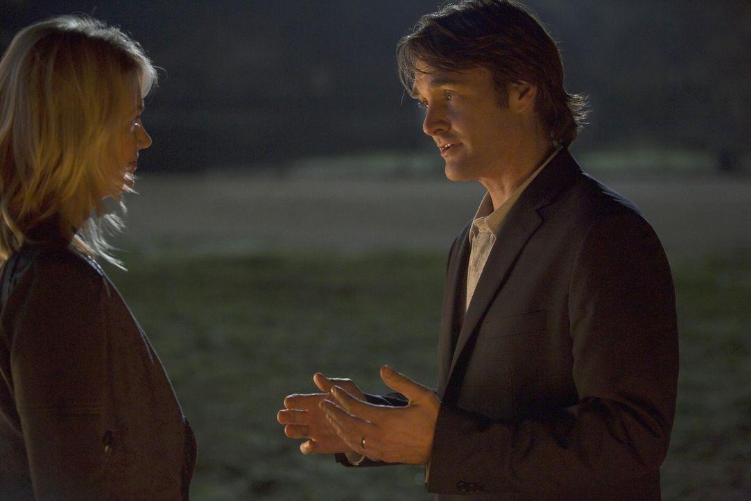 Phil (Will Forte, r.) träumt davon, mit Melissa (January Jones, l.) schlafen zu können, aber wie werden die beiden Damen auf seine Rechtfertigungsve... - Bildquelle: 2015 Fox and its related entities.  All rights reserved.
