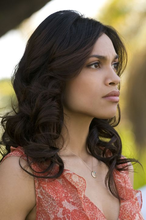 Die schwer herzkranke Grafikerin Emily Posa (Rosario Dawson) ahnt nicht, dass Ben einen tödlichen Plan gefasst hat, um ihr Leben zu retten ... - Bildquelle: 2008 Columbia Pictures Industries, Inc. and Beverly Blvd LLC. All Rights Reserved.