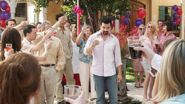 Gabrielle veranstaltet eine riesige Feier, um sich von Carlos (Ricardo Antoni...