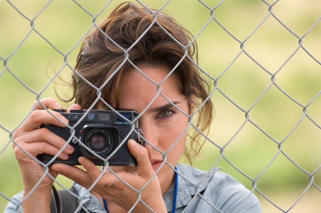 Auf der Jagd nach einer exklusiven Story über die illegalen Verwicklungen im internationalen Diamantenschmuggel:.Journalistin Maddy Bowen (Jennifer... - Bildquelle: Warner Bros.