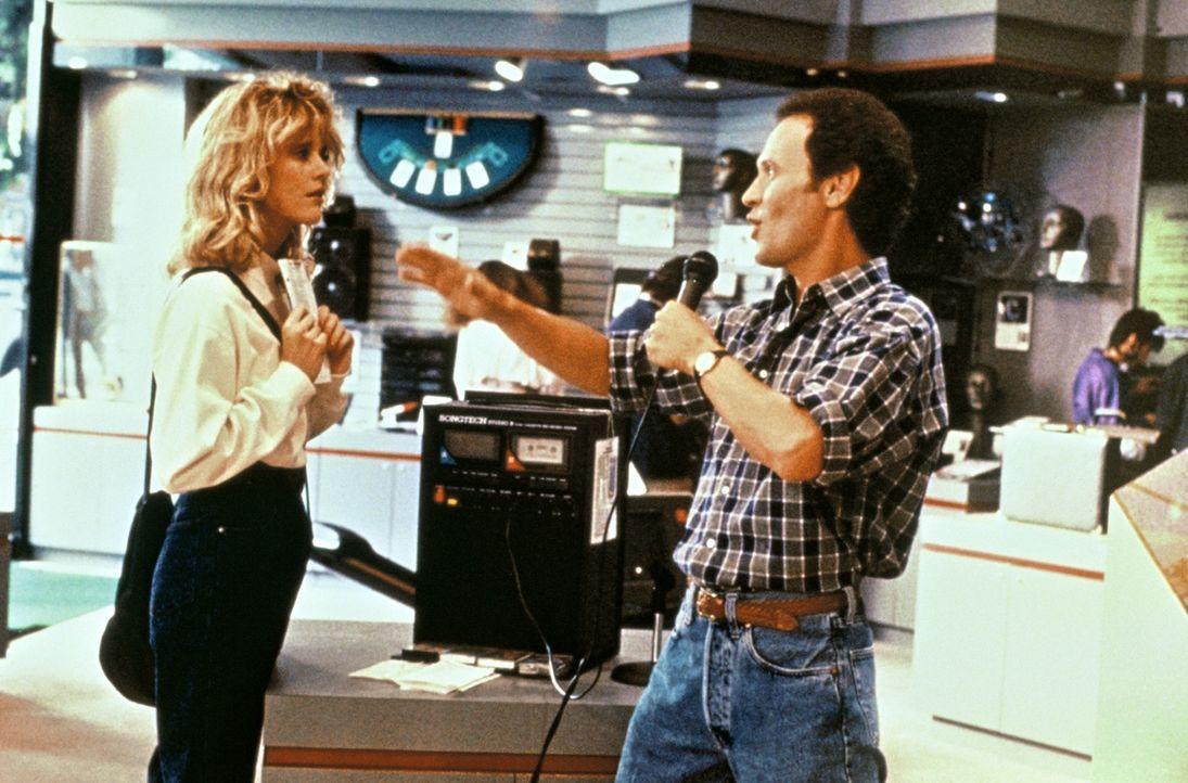 Eigentlich lieben sich Harry (Billy Crystal, r.) und Sally (Meg Ryan, l.) viel zu sehr, um nur bloße Freunde sein zu können ... - Bildquelle: Castle Rock Entertainment
