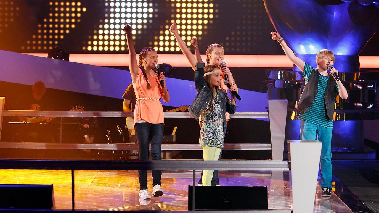 The-Voice-Kids-epi05-GiulianaGillianaTimFabienne-2-SAT1-Richard-Huebner - Bildquelle: SAT.1/Richard Hübner