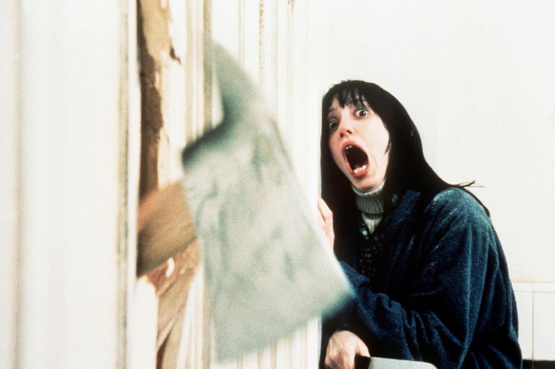 Jacks Wahnsinn ist nicht mehr aufzuhalten. Und dann kommt der Augenblick, an dem er zur Axt greift und Wendy (Shelley Duvall) durch die labyrinthisc... - Bildquelle: Warner Bros.