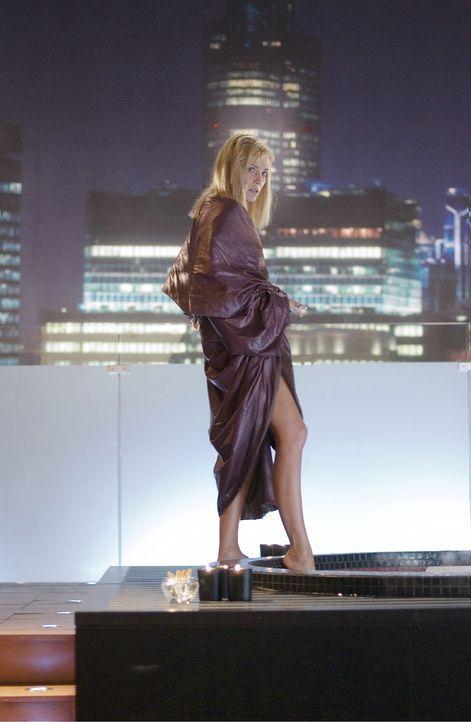 Catherine Tramell (Sharon Stone) ist die Leidenschaft in Person! Sie weiß, wie man Männer bis zur Ekstase treibt! - Bildquelle: Constantin Film