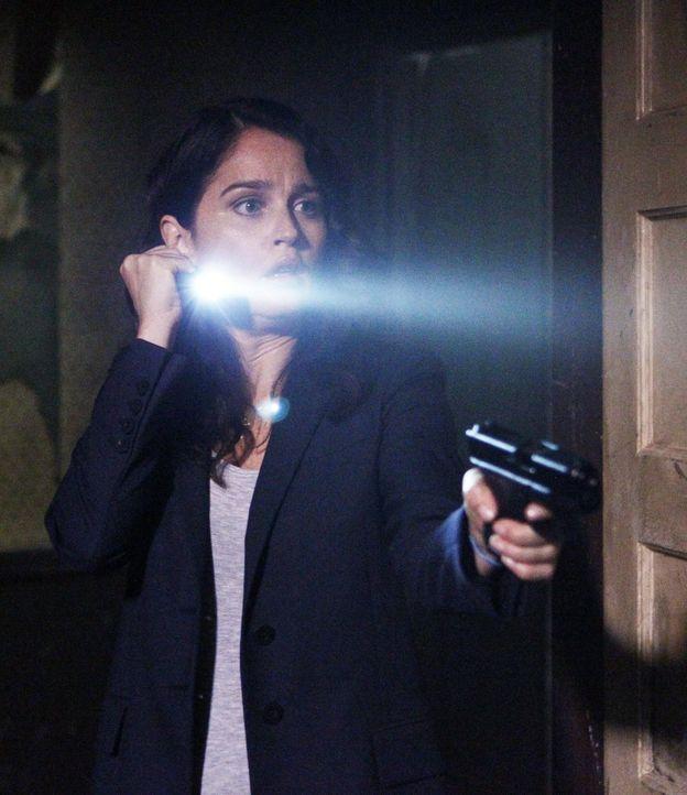 Jane und Teresa Lisbon (Robin Tunney) führen heimlich ihre Mission fort um den richtigen Red John zu finden ... - Bildquelle: Warner Bros. Television