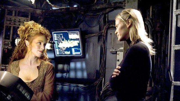 Bei ihrer Hilfsaktion stoßen Trance (Laura Bertram, l.) und Beka (Lisa Ryder,...