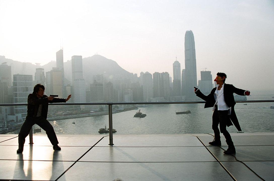 Gut (Jackie Chan, l.) gegen Böse (Daniel Wu, r.) ... - Bildquelle: E.M.S.